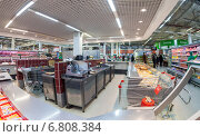 "Самара. Интерьер гипермаркета ""Карусель"", фото № 6808384, снято 17 декабря 2014 г. (c) FotograFF / Фотобанк Лори"