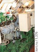 Купить «Вентили внутри подводной лодки», эксклюзивное фото № 1376, снято 16 сентября 2005 г. (c) Ирина Терентьева / Фотобанк Лори