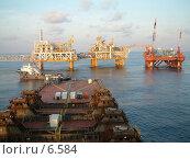 Купить «Нефтедобывающий комплекс», фото № 6584, снято 30 августа 2003 г. (c) Ivan / Фотобанк Лори