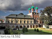 Купить «Высоко-Петровский Монастырь в Москве перед грозой», фото № 8592, снято 23 сентября 2005 г. (c) Vladimir Rogozhnikov / Фотобанк Лори