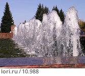 Купить «Фонтан», фото № 10988, снято 24 сентября 2006 г. (c) Рыжов Андрей / Фотобанк Лори