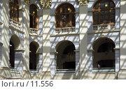 Купить «Москва. Фрагмент Гостиного двора изнутри», фото № 11556, снято 26 марта 2019 г. (c) Юрий Синицын / Фотобанк Лори