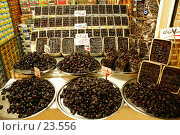 Купить «Финики на витрине», фото № 23556, снято 18 ноября 2006 г. (c) Валерий Шанин / Фотобанк Лори