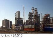 Купить «Перед закатом. Нефтяной комплекс», фото № 24516, снято 19 марта 2006 г. (c) Михаил Лавренов / Фотобанк Лори