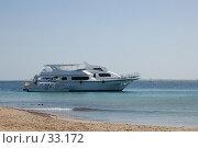 Купить «Яхта в море», фото № 33172, снято 10 февраля 2007 г. (c) Golden_Tulip / Фотобанк Лори