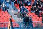 Футбол. Фаната с зажигательной шашкой милиционер выводит с трибуны, фото № 35832, снято 25 апреля 2007 г. (c) 1Andrey Милкин / Фотобанк Лори