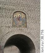 Купить «Икона 'Троица' на входе в Кремль, г. Псков», фото № 38716, снято 15 июля 2020 г. (c) Элеонора Лукина (GenuineLera) / Фотобанк Лори