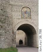 Купить «Икона 'Троица' на входе в Кремль, г. Псков», фото № 38788, снято 15 июля 2020 г. (c) Элеонора Лукина (GenuineLera) / Фотобанк Лори