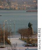 Купить «Новороссийск, Мыс Любви», фото № 40892, снято 15 декабря 2004 г. (c) Александр Демшин / Фотобанк Лори