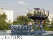 Купить «Бокал с вином со следом губной помады», фото № 52856, снято 15 июня 2007 г. (c) Лисовская Наталья / Фотобанк Лори