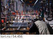 Рабочий на машиностроительном заводе. Стоковое фото, фотограф Михаил Малышев / Фотобанк Лори