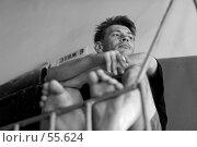Купить «Курящий мужчина», фото № 55624, снято 2 июля 2005 г. (c) Сергей Лаврентьев / Фотобанк Лори