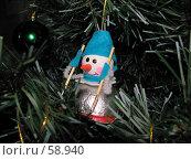 Купить «Снеговик на искусственной новогодней елке», фото № 58940, снято 24 декабря 2006 г. (c) Fro / Фотобанк Лори