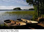Купить «Лодки у берега», фото № 59256, снято 28 июня 2007 г. (c) Старкова Ольга / Фотобанк Лори