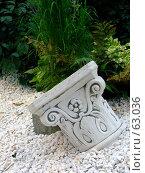 Купить «Белая колонна в камнях», фото № 63036, снято 17 июля 2007 г. (c) Тим Казаков / Фотобанк Лори