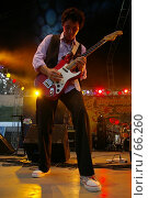 "Купить «Гитарист гр. ""Команда Сталинград""», фото № 66260, снято 7 июля 2007 г. (c) Талдыкин Юрий / Фотобанк Лори"