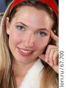 Купить «Блондинка в красной повязке», фото № 67700, снято 24 июня 2007 г. (c) Евгений Батраков / Фотобанк Лори