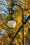 Фонарь на фоне осенней листвы, фото № 83356, снято 18 октября 2006 г. (c) Argument / Фотобанк Лори