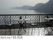 Купить «Вид на море и горы из окна ресторана. Италия. Амальфи», фото № 93924, снято 23 мая 2006 г. (c) Татьяна Белова / Фотобанк Лори