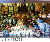 Купить «Продажа сувениров», фото № 98328, снято 16 сентября 2007 г. (c) Елена Руденко / Фотобанк Лори