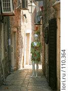 Купить «В закоулках Старого города Будва, Черногория», фото № 110364, снято 26 августа 2007 г. (c) Fro / Фотобанк Лори