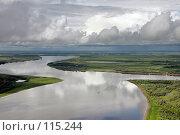 Купить «Кучевые облака над рекой Обь с высоты полета птицы», фото № 115244, снято 4 августа 2006 г. (c) Владимир Мельников / Фотобанк Лори