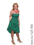 Купить «Молодая девушка в зеленом платье», фото № 127704, снято 26 марта 2019 г. (c) Георгий Марков / Фотобанк Лори