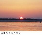 Водная гладь на закате. Стоковое фото, фотограф Николаенко Алексей / Фотобанк Лори
