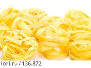 Купить «Итальянская паста на белом фоне», фото № 136872, снято 3 декабря 2007 г. (c) Угоренков Александр / Фотобанк Лори