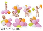 Купить «Ребёнок с воздушными шарами», фото № 143416, снято 19 марта 2019 г. (c) Майя Крученкова / Фотобанк Лори