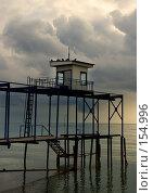 Купить «Смотровая вышка на пристани», фото № 154996, снято 19 сентября 2018 г. (c) SummeRain / Фотобанк Лори