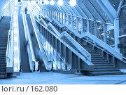 Купить «Эскалаторы и ступени», фото № 162080, снято 25 сентября 2007 г. (c) Бабенко Денис Юрьевич / Фотобанк Лори