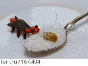 Купить «Пластилиновый таракан и изюм», фото № 167404, снято 17 ноября 2018 г. (c) Парушин Евгений / Фотобанк Лори