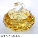 Купить «Сосуд муранского стекла с жидкостью золотого цвета», фото № 168396, снято 9 декабря 2007 г. (c) Сергей Самсонов / Фотобанк Лори