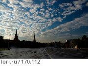Купить «Боровицкая площадь ранним летним утром», фото № 170112, снято 23 июня 2007 г. (c) Петухов Геннадий / Фотобанк Лори