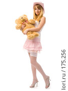 Купить «Девушка с игрушкой», фото № 175256, снято 12 января 2008 г. (c) Валентин Мосичев / Фотобанк Лори