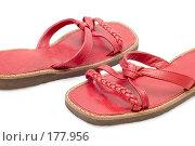 Купить «Красные сандалии на белом фоне», фото № 177956, снято 22 апреля 2019 г. (c) Угоренков Александр / Фотобанк Лори