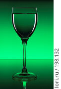 Купить «Бокал вина», фото № 198132, снято 27 апреля 2018 г. (c) Михаил Котов / Фотобанк Лори