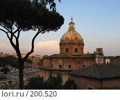 Купить «Вид на Рим с Капитолийского холма (за мэрией)», фото № 200520, снято 22 мая 2007 г. (c) Маргарита Лир / Фотобанк Лори