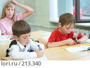 Купить «Ученики в классе», фото № 213340, снято 19 августа 2007 г. (c) Ирина Мойсеева / Фотобанк Лори