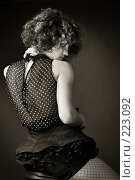 Портрет девушки вполоборота. Стоковое фото, фотограф Кирилл Николаев / Фотобанк Лори