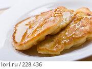 Купить «Оладьи с медом», фото № 228436, снято 4 сентября 2005 г. (c) Кравецкий Геннадий / Фотобанк Лори