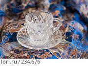 Купить «Чайная пара на синем китайском шёлке», фото № 234676, снято 23 марта 2008 г. (c) Алла Матвейчик / Фотобанк Лори