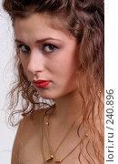 Купить «Девушка с длинными волосами», фото № 240896, снято 14 ноября 2004 г. (c) Виктор Филиппович Погонцев / Фотобанк Лори