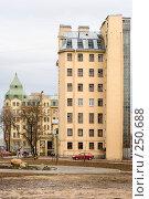 Купить «Дом на набережной Обводного канала у Лиговского проспекта. Санкт-Петербург», эксклюзивное фото № 250688, снято 13 апреля 2008 г. (c) Александр Щепин / Фотобанк Лори
