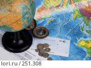 Купить «Натюрморт с картами, глобусом, компасом, деньгами и чековой книжкой в евро», фото № 251308, снято 22 сентября 2018 г. (c) Harry / Фотобанк Лори