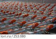 Купить «Переполненная стоянка магазинных тележек», фото № 253080, снято 29 марта 2008 г. (c) Harry / Фотобанк Лори