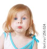 Купить «Маленькая  девочка на белом фоне», фото № 256024, снято 16 апреля 2008 г. (c) Майя Крученкова / Фотобанк Лори