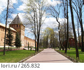 Купить «Крепостная стена. Город Смоленск. Аллея», фото № 265832, снято 26 апреля 2008 г. (c) Примак Полина / Фотобанк Лори