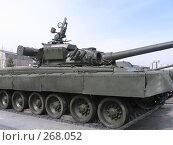 Танк Т-80 на выставке боевой техники в Парке Победы (г. Казань, Татарстан) (2008 год). Редакционное фото, фотограф Елена Киселева / Фотобанк Лори